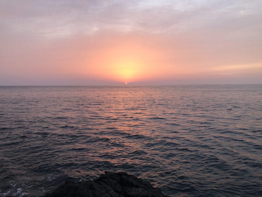 長崎地磯から見る夕日
