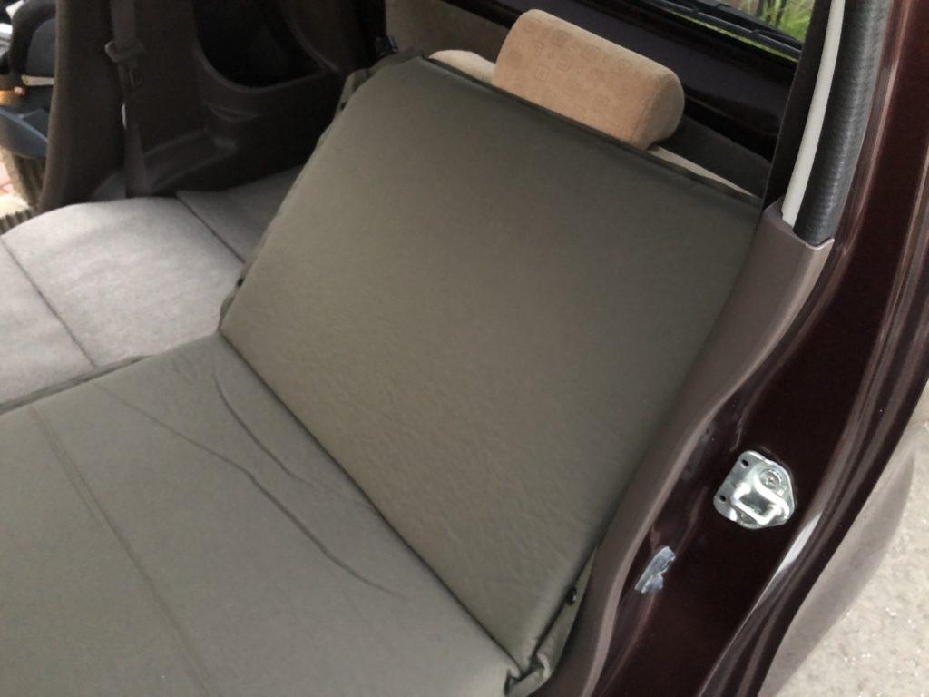 REAL METHOD インフレータブルエアマット 5cm厚 カーキグリーン 軽自動車使用例